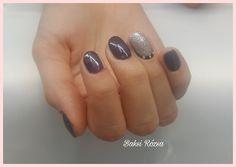Grey and silver nail