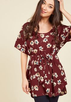 Medium Format Memory Tunic in Burgundy Blossoms