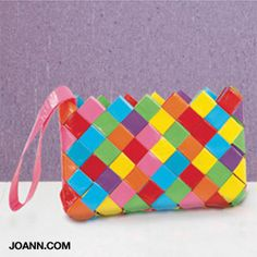 Colorful Chain-link Duct Tape Clutch and other duck tape projects Duct Tape Clutch, Duct Tape Purses, Duct Tape Bags, Duct Tape Projects, Duck Tape Crafts, Crafts To Make, Fun Crafts, Crafts For Kids, Simple Crafts