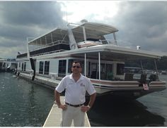 No Other Boat Like A Houseboat Warren Childers From Sunstar Yacht Sales & Brokerage | Houseboat Magazine
