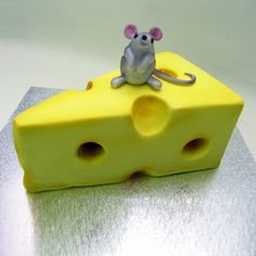 Mouse on A Cheese 3D Cake - Food / Beverage - 3D Cakes