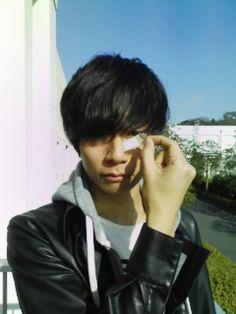 [Champagne]川上洋平2009/12/8 PV撮影 おまけ。こんな感じのPVです♪ Ryosuke Yamada, Japan, Boy Bands, Boys, Baby Boys, Senior Boys, Sons, Japanese, Guys