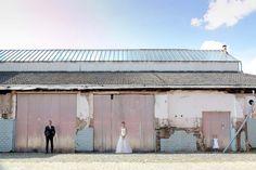 Tina und Marcel: Ihre elegante Hochzeit im Industrial-Chic @Hanna Witte http://www.hochzeitswahn.de/inspirationen/tina-und-marcel-ihre-elegante-hochzeit-im-industrial-chic/ #wedding #mariage #couple