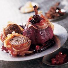Noisettes de chevreuil et poires au vin épicé