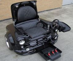 Gamers chair (car design)... my boyfriend would love this for his man-cave room