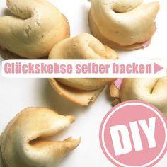 Bake fortune cookies yourself Party Snacks, Diy Food, Summer Recipes, Bakery, Food Porn, Food And Drink, Yummy Food, Favorite Recipes, Cooking