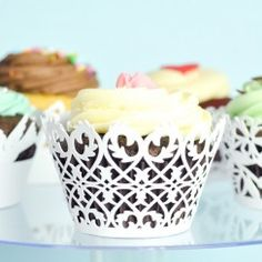 White color ivy heart design paper cupcake wrappers/holder