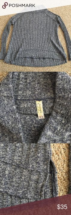"""Free People Sweater EUC. Cotton/polyester blend. Lightweight. Reverse double stitching accents. Size XS. Longer in the back. Pit to pit 23"""". Length 23"""" in the front/26"""" in the back. Free People Sweaters"""