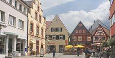 Offenburg (Baden-Württemberg): Offenburg ist eine Stadt im Westen Baden-Württembergs, etwa 20 Kilometer südöstlich von Straßburg. Sie ist die Kreisstadt und größte Stadt des Ortenaukreises. Nach dem Landesentwicklungsplan bildet Offenburg seit 1996 ein Oberzentrum innerhalb der Region Südlicher Oberrhein.  Seit 1. April 1956 ist Offenburg Große Kreisstadt. Mit den Gemeinden Durbach, Hohberg, Ortenberg und Schutterwald hat die Stadt eine Verwaltungsgemeinschaft vereinbart.