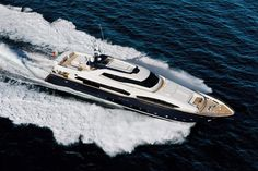 External view Custom Line - CL 124' #yacht #luxury #ferretti #customline