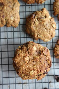 Roasted Almond Oatmeal Chocolate Chip Cookies! #healthy #delicious #simple