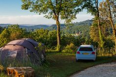 Camping Dordogne - small is beautiful. Relaxed family campsite near the Dordogne river and Sarlat. California Camping, Camping In Tennessee, Camping In Maine, Florida Camping, Camping Dordogne, Yellowstone Camping, Acadia National Park Camping, Camping France, France Travel