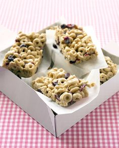 "Popsicles, ""pizzas,"" chocolate chip cookies.... Your kids won't believe you when you tell them these are healthy snacks.Cranberry-Oat Cereal BarsDried cranberries are a great source of antioxidants and vitamin C. Choose a whole-wheat cereal for added daily fiber. Your kids will love it for the sweet crunch!"