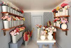 Room Box Number 30 – Jenny's Flower Shop – Modern Flower Shop Decor, Flower Shop Design, Flower Truck, Flower Bar, Art Studio Room, Craft Shed, Balloon Shop, Craft Station, Craft Room Decor