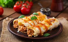 This alternative to traditional enchiladas features a delicious, creamy White Sauce and is topped with your favorite hot sauce, for a kick! The perfect dinner for the whole family or larger group, that can be prepared ahead and baked when ready to eat. Fast Food Delivery Service, Best Meal Delivery, Fresh Food Delivery, Fast Healthy Meals, Easy Meals, Mexican Dishes, Mexican Food Recipes, How To Make Bibimbap, Ricotta