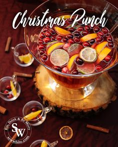 I have been creating delicious cocktails for the festive season. The Christmas Punch is made from fruity cranberry juice, fiery ginger beer and sharp lime. Cranberry Juice And Vodka, Cranberry Punch, Cranberry Cocktail, Vodka Punch, Vodka Lime, Lime Juice, Christmas Punch, Christmas 2017, Punch Recipes
