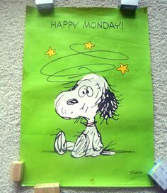 Good Night Quotes : Snoopy reminds me of my dad he loves Charlie brown :) - Quotes Sayings Snoopy Et Woodstock, Snoopy Love, Snoopy Hug, Snoopy Comics, Peanuts Cartoon, Peanuts Snoopy, Snoopy Cartoon, Cartoon Dog, Disney Cartoons