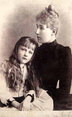 Les archiduchesses Séphanie et Elisabeth d'Autriche
