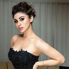 Proof that Mouni Roy is the highest-paid TV actress Bollywood Actress Hot Photos, Indian Bollywood Actress, Indian Tv Actress, Indian Actresses, Most Beautiful Indian Actress, Beautiful Actresses, Beauty Full Girl, Beauty Women, Mauni Roy