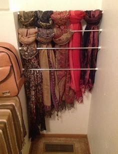 << Barras de tensión para organizar bufandas << Tension rods for scarf organization Master Closet, Closet Bedroom, Closet Space, Bathroom Closet, Laundry Closet, Diy Bedroom, Scarf Organization, Home Organization, Organizing Tips