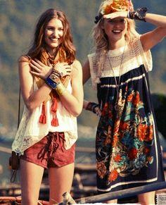 Modern hippie chic clothing, gypsy style jewelry, boho chic looks Hippie Style, Estilo Hippie Chic, Gypsy Style, Boho Gypsy, Hippie Boho, Bohemian Style, Boho Chic, Style Me, Hippie Jewelry