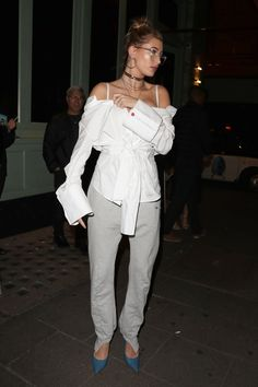 Znalezione obrazy dla zapytania Hailey Baldwin leaving The Box Soho in London. Hailey Baldwin Style, Stylish Girl, Celebrity Style, Jumpsuit, London, Celebrities, Sexy, Fashion Trends, Dresses