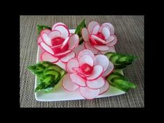 Radish flowers / rose – About Holiday Parties Vegetable Decoration, Vegetable Design, Food Decoration, Radish Flowers, Rose Flowers, Deco Fruit, Creative Food Art, Food Sculpture, Fruit And Vegetable Carving
