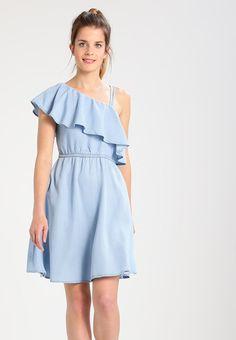 bc8060fba81 Noisy May Petite NMNESLI - Vestido informal - light blue denim - Zalando.es