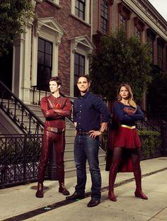 """The Flash e Supergirl fazem """"crossover"""" em mega ensaio fotográfico! - Legião dos Heróis"""