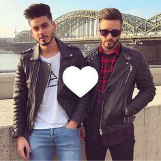 "32.4 k mentions J'aime, 284 commentaires - Abbas (@abbasmomo) sur Instagram: ""Which city should we visit next ? 😎  chillin' with bro @kapoofk 😜 #doubletap"""