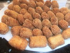 Croquetas de queso de rulo de cabra y cebolla caramelizada https://misrecetassingluten.blogspot.com.es/2017/11/croquetas-de-queso-de-rulo-de-cabra-y.html