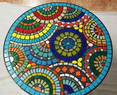 Mosaic Stepping Stones, Pebble Mosaic, Mosaic Diy, Mosaic Crafts, Mosaic Projects, Mosaic Glass, Mosaic Tiles, Deco, Mosaic Furniture