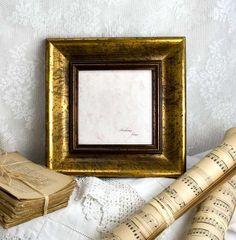 5x5 Deluxe Gold Photo Frame in Dark Simple par mackenzieframes, $36,00