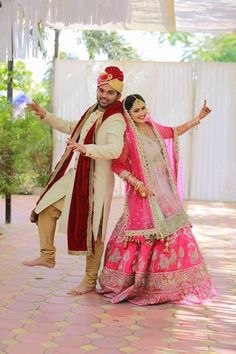#DivyaVyasPandya a captivating bride steals the show on her #dreamday in this angelic Asopalav outfit! Doesn't she look like a fairytale princess? <3 Wedding.net WeddingSutra WedMeGood Wedding Dresses #HappyAsopalavBride #NewCollection #AttentionToDetail #AsopalavBrides #Ahmedabad #Bridal #HappyBrides #DesignerCollection #Granduer #Royal #elegance #elegantmotifs #ElegantBridalWear #Indianweddings #Indianfashion #BigFatIndianWeddings #Bridalwear #BridalElegance #NewGenerationBrides…