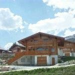 Gorgeous 4 bedroom Chalet located in Anzère. With hot tub and sauna Mountain Living, Real Estate Agency, Location, Tub, Cabin, Bedroom, House Styles, Bathtubs, Real Estate Office