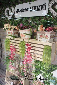 follaje y flores artificiales