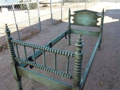 Antique Spindle Bed - Twin