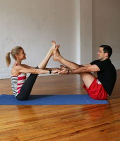 Amazing yoga poses for you and you're man. Tandem Boat - Hatha Yoga Poses for Couples - Shape Magazine Hatha Yoga Poses, Yoga Bewegungen, Yoga Pilates, Yoga Sequences, Yoga Flow, Kid Yoga, Couples Yoga Poses, Partner Yoga Poses, Yoga Poses For Two