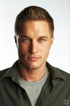 Travis Fimmel.. He plays Regnar Lodbrok in the Vikings... Umm yes please!!!