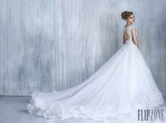 Most elegant wedding dresses and bridal gowns available at Beirut (Lebanon). Classic and trendy bridal dresses and wedding gowns at an affordable prices. 2016 Wedding Dresses, Bohemian Wedding Dresses, Princess Wedding Dresses, Designer Wedding Dresses, Bridal Dresses, Wedding Gowns, Amazing Wedding Dress, Elegant Wedding Dress, Cinderella Gowns