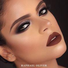 Bom dia!  Novo curso R.O Techniques | Maquiagem Social de Luxo 💙 www.raphaeloliver.com.br #raphaeloliver #newyear #brasil #mua #love #newtechnique #negras