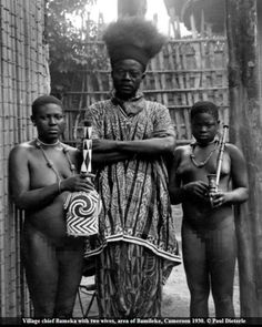 Africa | Village chief Bameka with two wives. Bamileke region, Cameroon. 1930 | ©Paul Dieterle