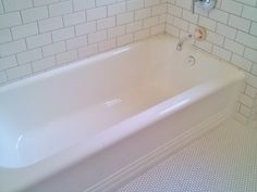 Donu0027t Want To Scrub Your Tub? Heat 1/2 Cup Of White Vinegar In The  Microwave For 90 Seconds And Then Pour It Into A Spray Bottle. Add 1/2 Cup  Of U2026