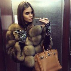 Sable, Chanel gloves, Hermes Birkin. Love love love <3