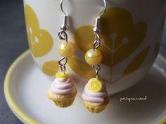 Boucles d'Oreilles Longues Mini Cupcakes au citron - Bijou Gourmand - Miniature Fimo. : Boucles d'oreille par petitsgrainsdecel