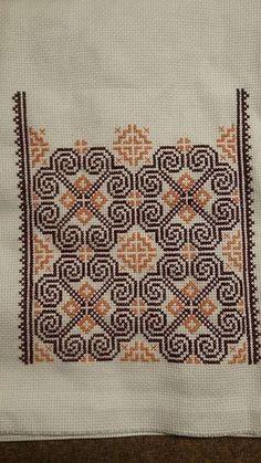 Myslíme si, že by sa vám mohli páčiť tieto piny - tonka. Dmc Cross Stitch, Cross Stitch Borders, Cross Stitch Flowers, Cross Stitch Designs, Cross Stitching, Cross Stitch Embroidery, Embroidery Patterns, Hand Embroidery, Cross Stitch Patterns