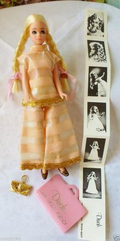 VINTAGE TOPPER DAWN DOLL..... DINAH .. W/ OUTFIT Modeling Agency