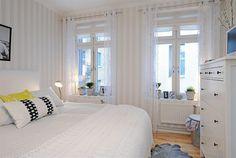 Love an all white bedroom All White Bedroom, Pretty Bedroom, Dream Bedroom, Home Bedroom, Bedroom Decor, White Bedrooms, Small Bedroom Designs, Bedroom Windows, White Home Decor