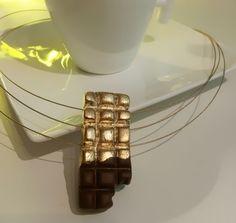 Halskette *Schokolade in Goldpapier* http://www.klunkerfisch.de/Halskette-Schokolade-in-Goldpapier::415.html