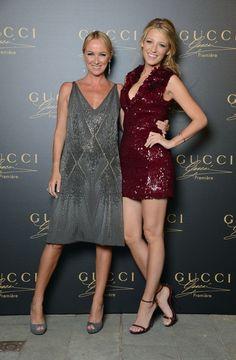 Blake Lively ha indossato un mini abito da cocktail color ciliegia di Gucci per la presentazione della fragranza femminile Gucci Première della quale è testimonial